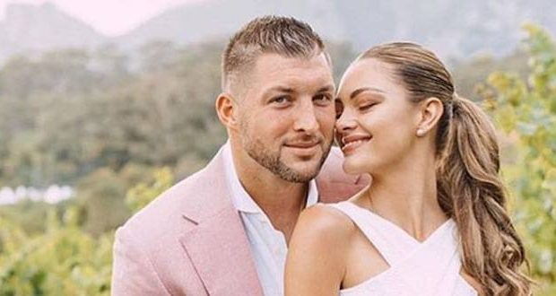 tebow marries